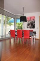 spectacular contemporary home