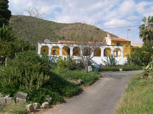 Finca with land