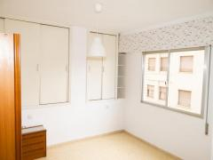 LIGHT-FILLED 2-BEDROOMED FLAT IN THE HEART OF NOVELDA TOWN, (Alicante)