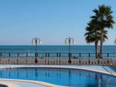 Excellent two bedroom duplex with sea and mountain views,