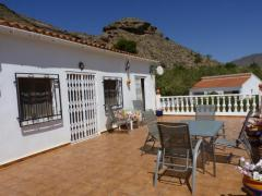 Very beautiful rural House 316 M2 with separate guest house 76 m2.