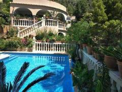 Fantastic villa with self-contained apartment