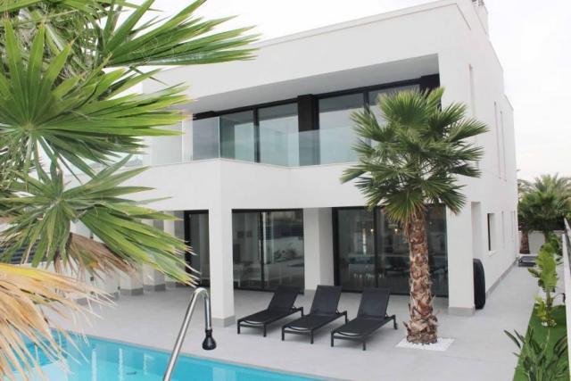 NO-0643 – NEW BUILD Villas near the Sea in La Marina Spain