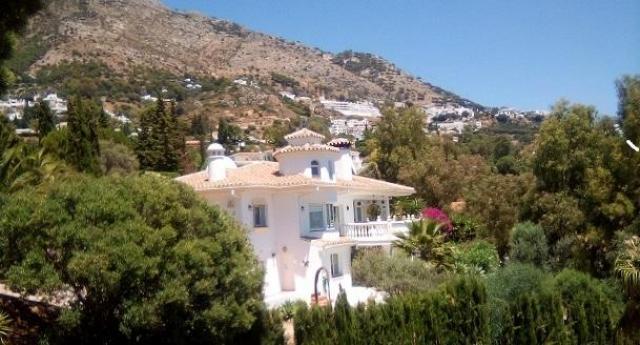 detached 4 bed villa for sale 675000 euros