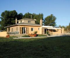 A FINE DETACHED HOUSE CLOSE TO THE VILLAGE OF OLOCAU, VALENCIA