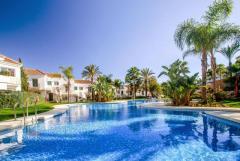 Beautiful 2  beds  apartment  . Nueva  Andaucia. Puerto  Banus. Marbella