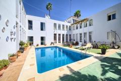 Nueva Andalucia. Puerto Banus . Marbella. Lovely  villa 5  beds. BARGAIN