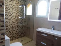 3 Bedroomed  2 Bathroom Detached House Excellent Condition