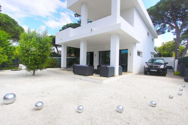 Magnific new Villa in El Rosario - Marbella at only 675.000€, great opportunity