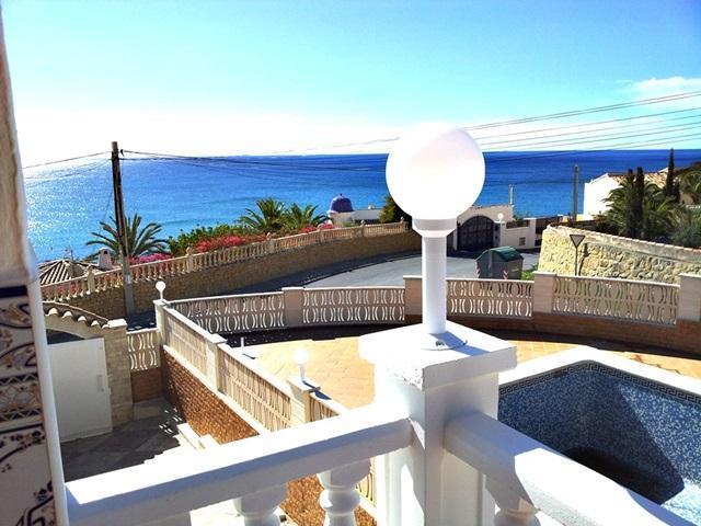 Villa con vista al mar