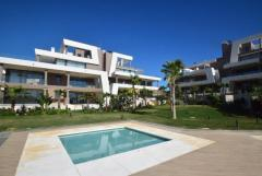 Brand new 3 bedroom South-West facing apartment with sea views in Cabopino, Marbella