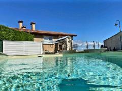 Luxury house in private condo