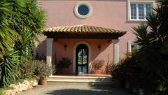 Villa with large plot and panoramic seaview