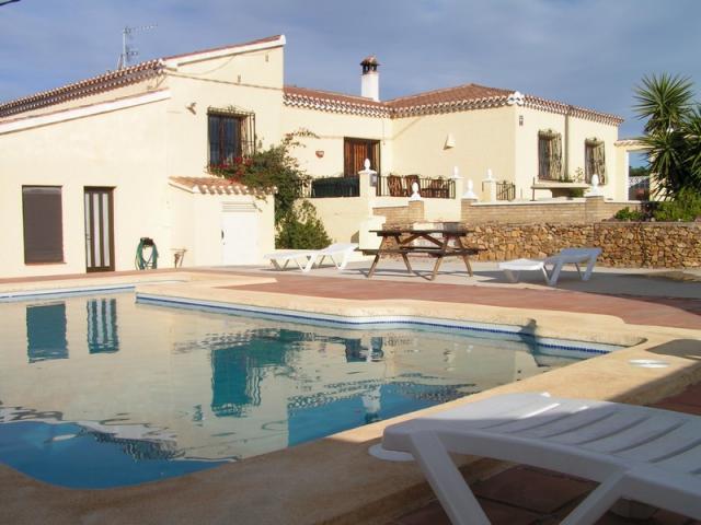 Magnificent 3 bedrooms villa in Bedar on sale