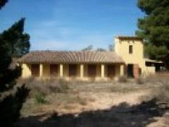 Pyrenees Farmhouse for renovation