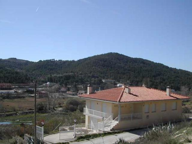 Beautiful house in a mountaineus area of Aragon