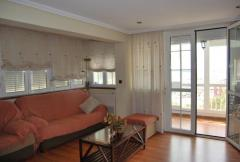 Centrally located apartment, and in 1st beachline