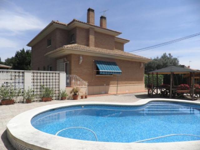 Spectacular Villa in Avenida de los Patos, Busot, Alicante