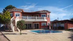 Villa in Avenida Cabeçó d'Or, Busot, Alicante