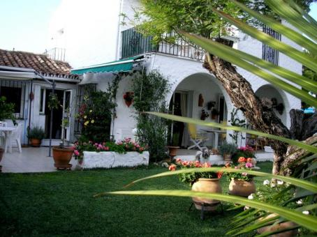 "Charming detached 3/4 bed villa between Puerto Banus and Estepona on the ""New Golden Mile"""