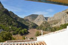 Large house in the attractive village of El Chorro  but needs some modernization !!